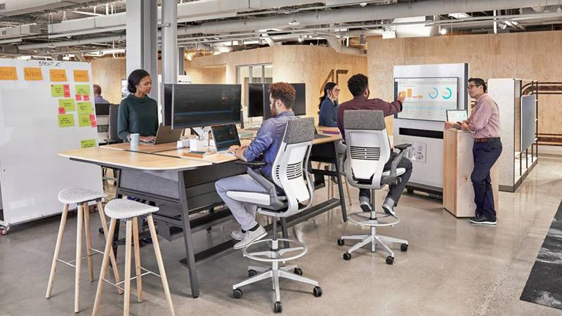 Nov IT prostor, ustvarjen za podporo gibčnim načinom dela - ljudem, ki prehajajo iz ene vrste službe v drugo.